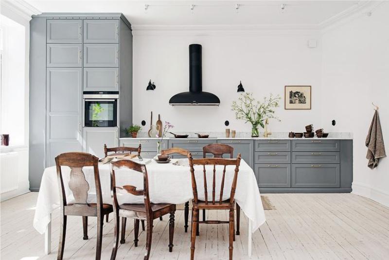 Egy nagy konyha lineáris elrendezése