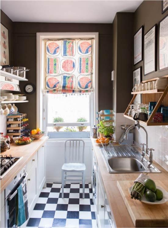Függönyök a kétsoros konyhában