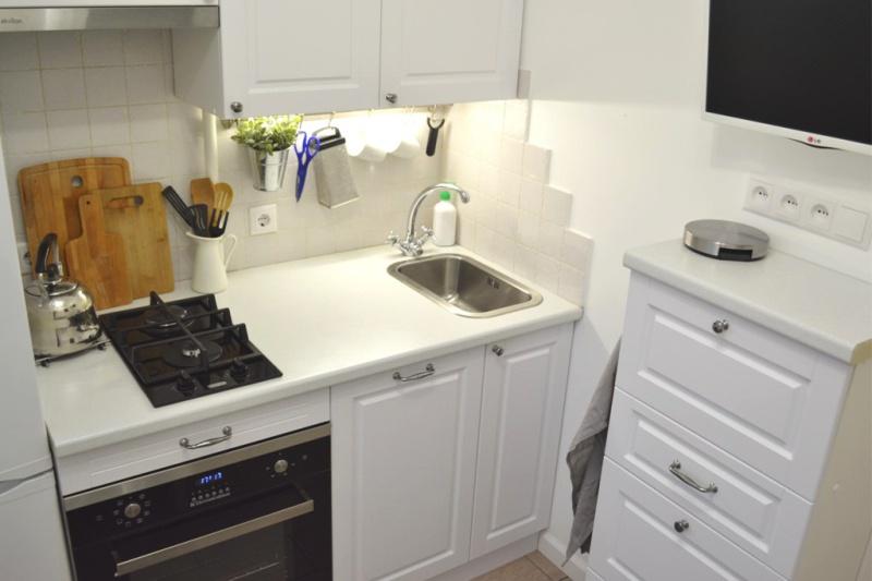 4 méteres konyha mini készülékekkel