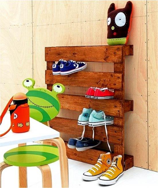 Rak untuk kasut lakukan sendiri dari palet