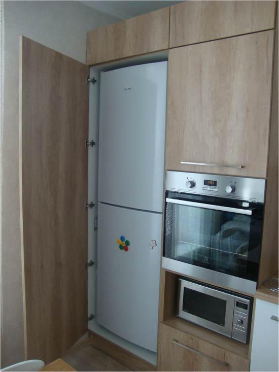 Félig beépített hűtőszekrény
