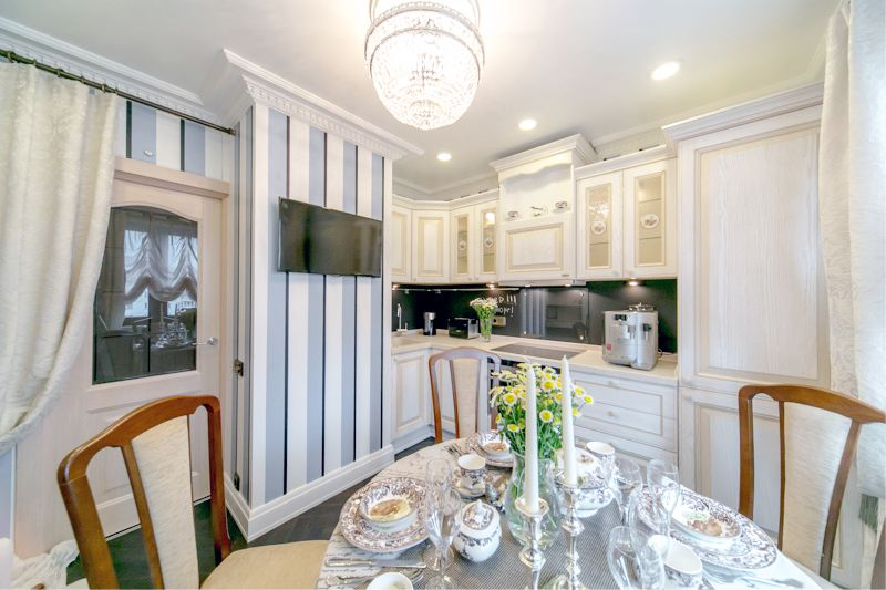 עיצוב חדר אוכל קטן