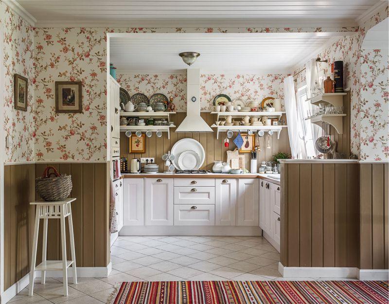 Papel de parede no interior da cozinha do país