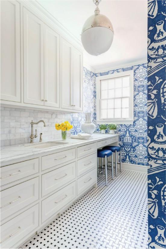 Papel de parede azul na cozinha
