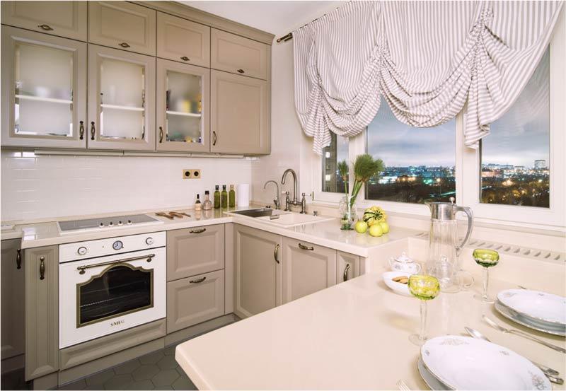 Virtuve ar iebūvētu palodzi