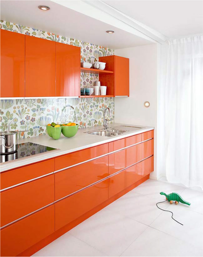 Cuisine de style scandinave brillante orange