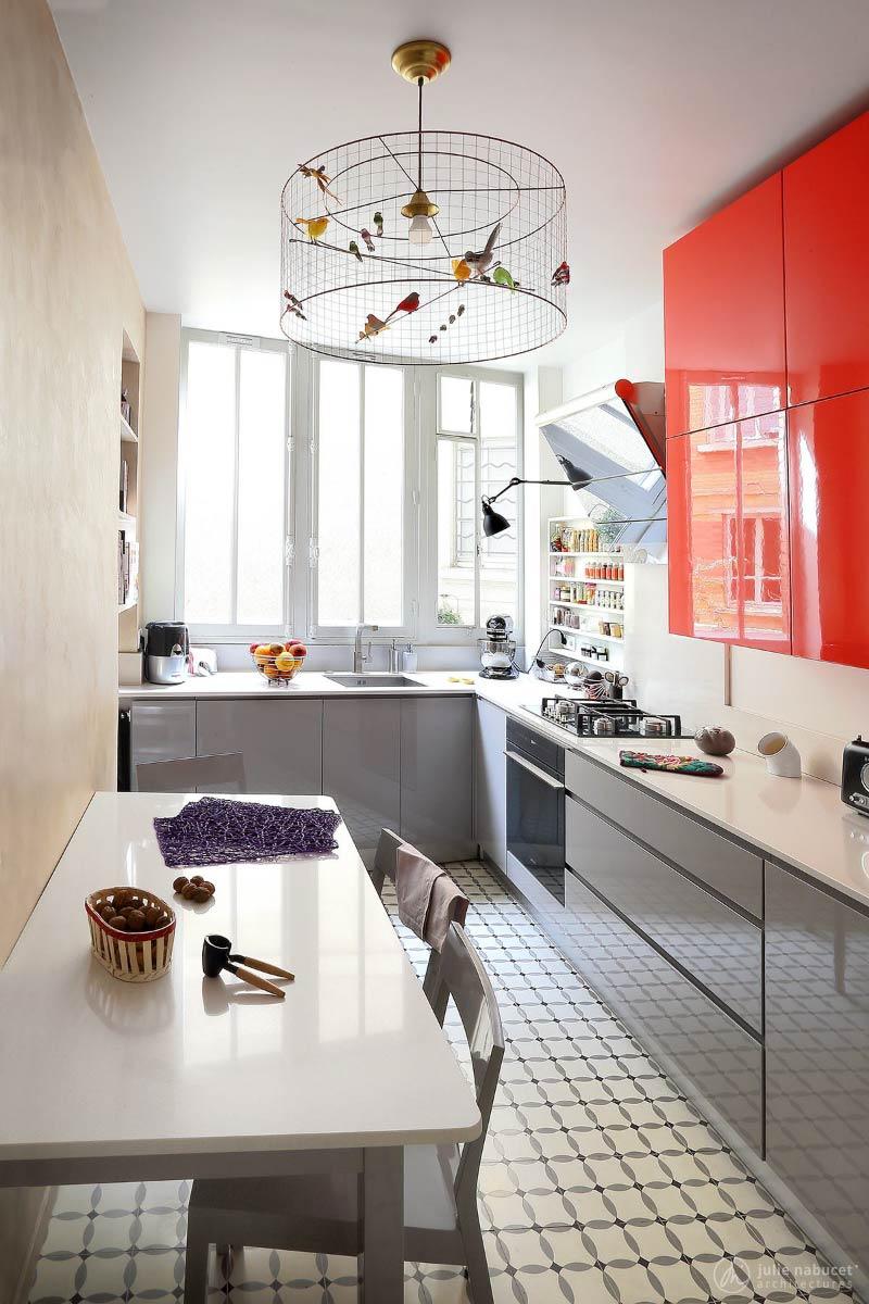 Χρωματιστή κουζίνα χωρίς λαβές
