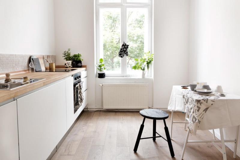 Nhà bếp hiện đại với tay cầm hồ sơ