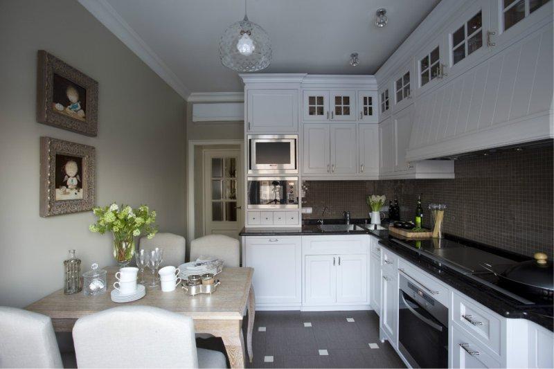 Podna i kuhinjska ploča tamno smeđe boje