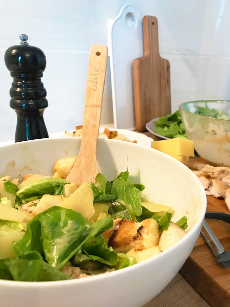 Salata de Caesar cu pui