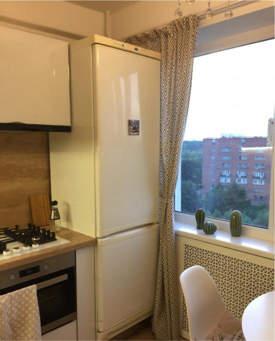 White kitchen kecil 6.5 persegi. m