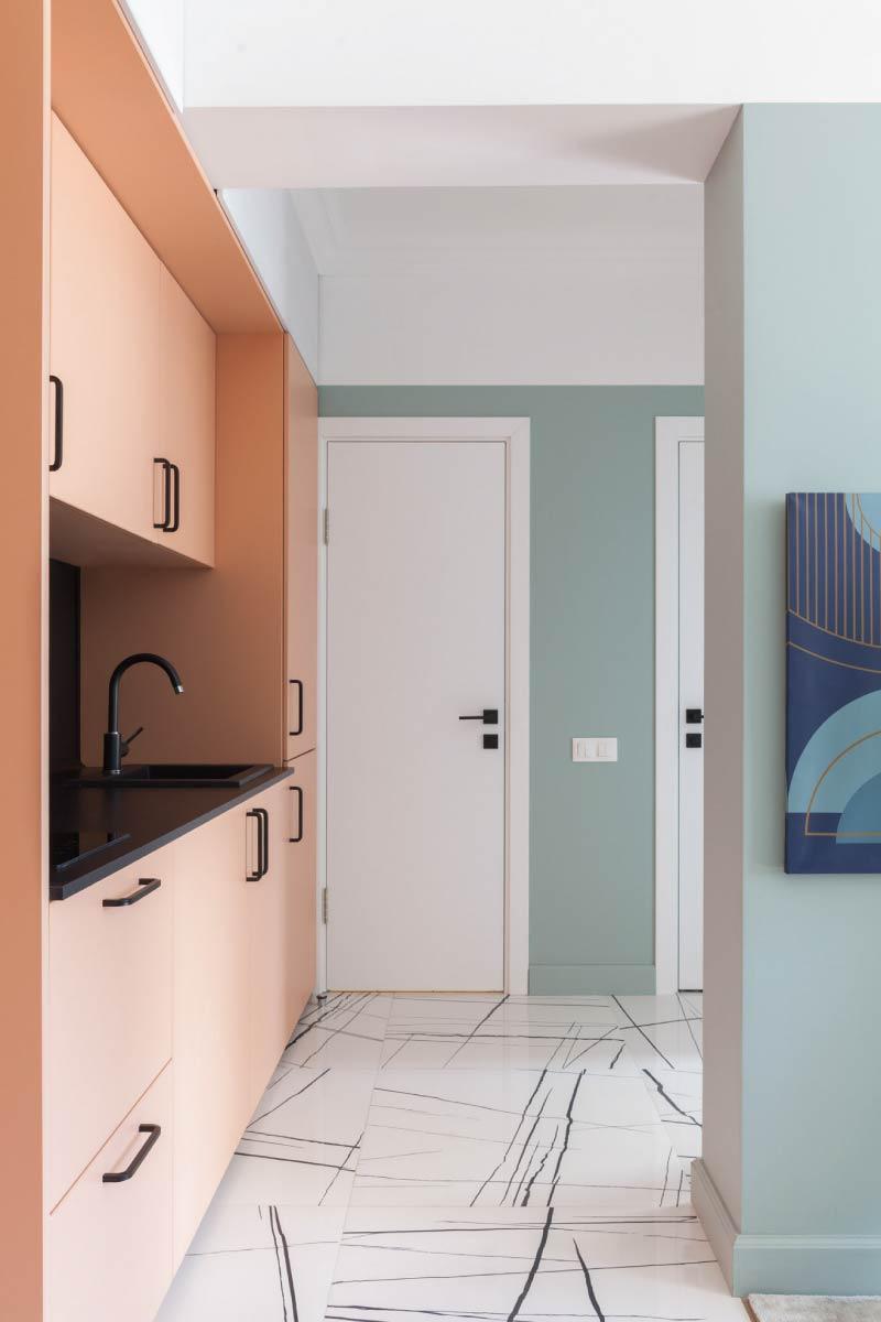 Podlahové sokle vo farbe stien