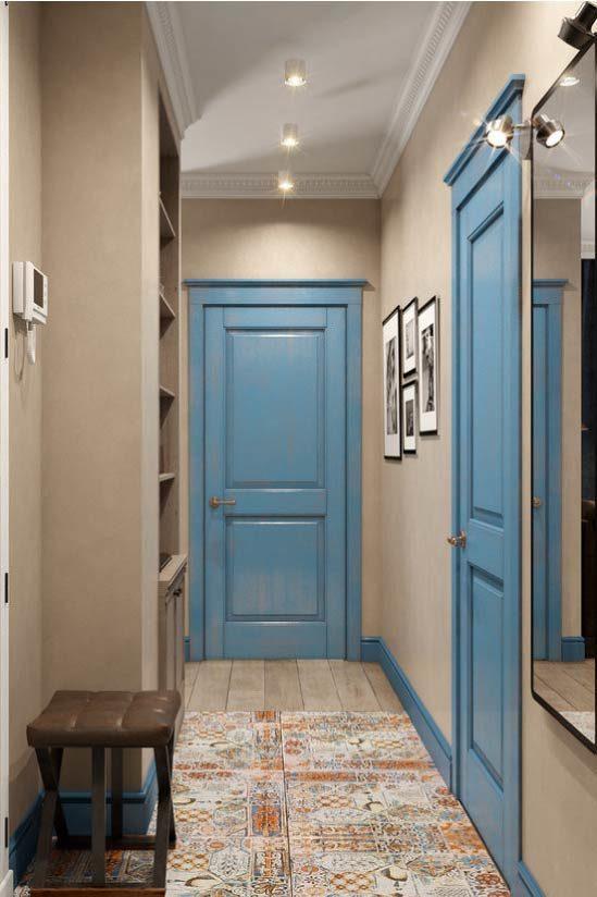 Sokel vo farbe dverí