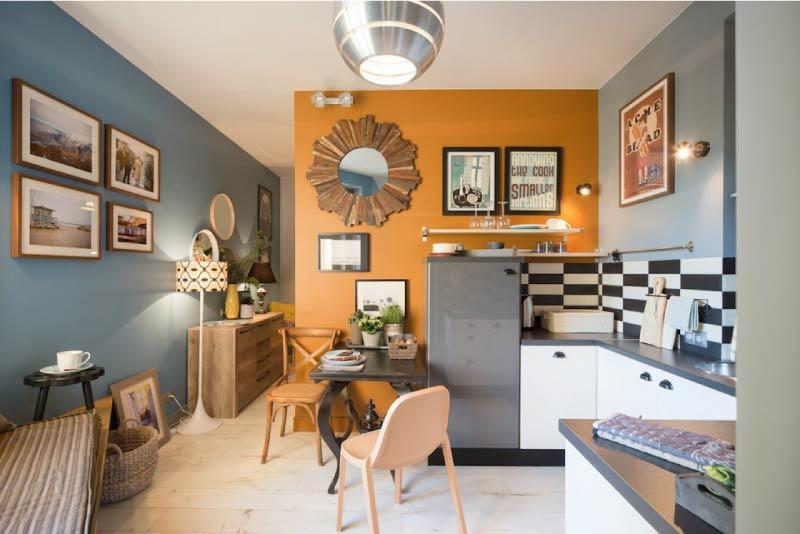 Mutfaktaki duvarların rengindeki kaideler