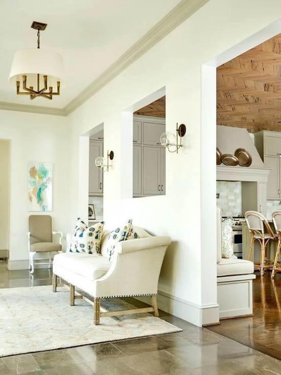 Taban ve tavan kaideleri duvarlardan daha koyu